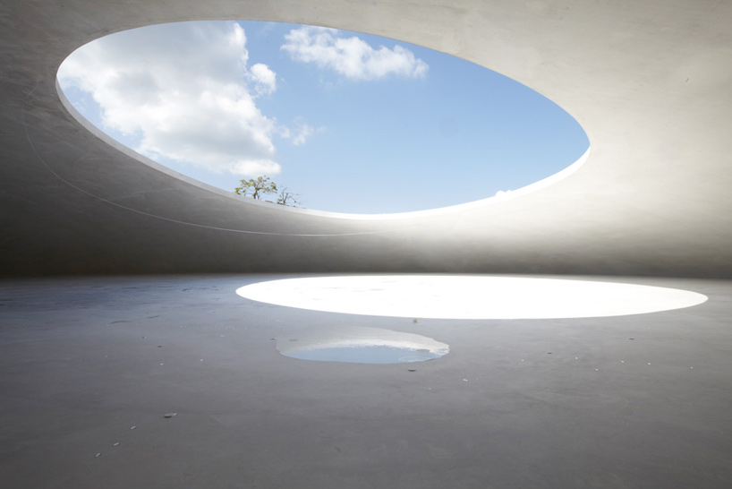 豐島美術館。此生必去|瀨戶內國際藝術祭期間採預約制