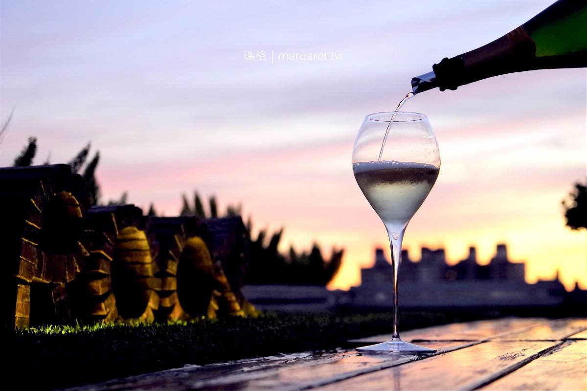ROOF私廚小酒館。屋頂上的料理手|嘉義美食秘密基地。香檳與夕陽