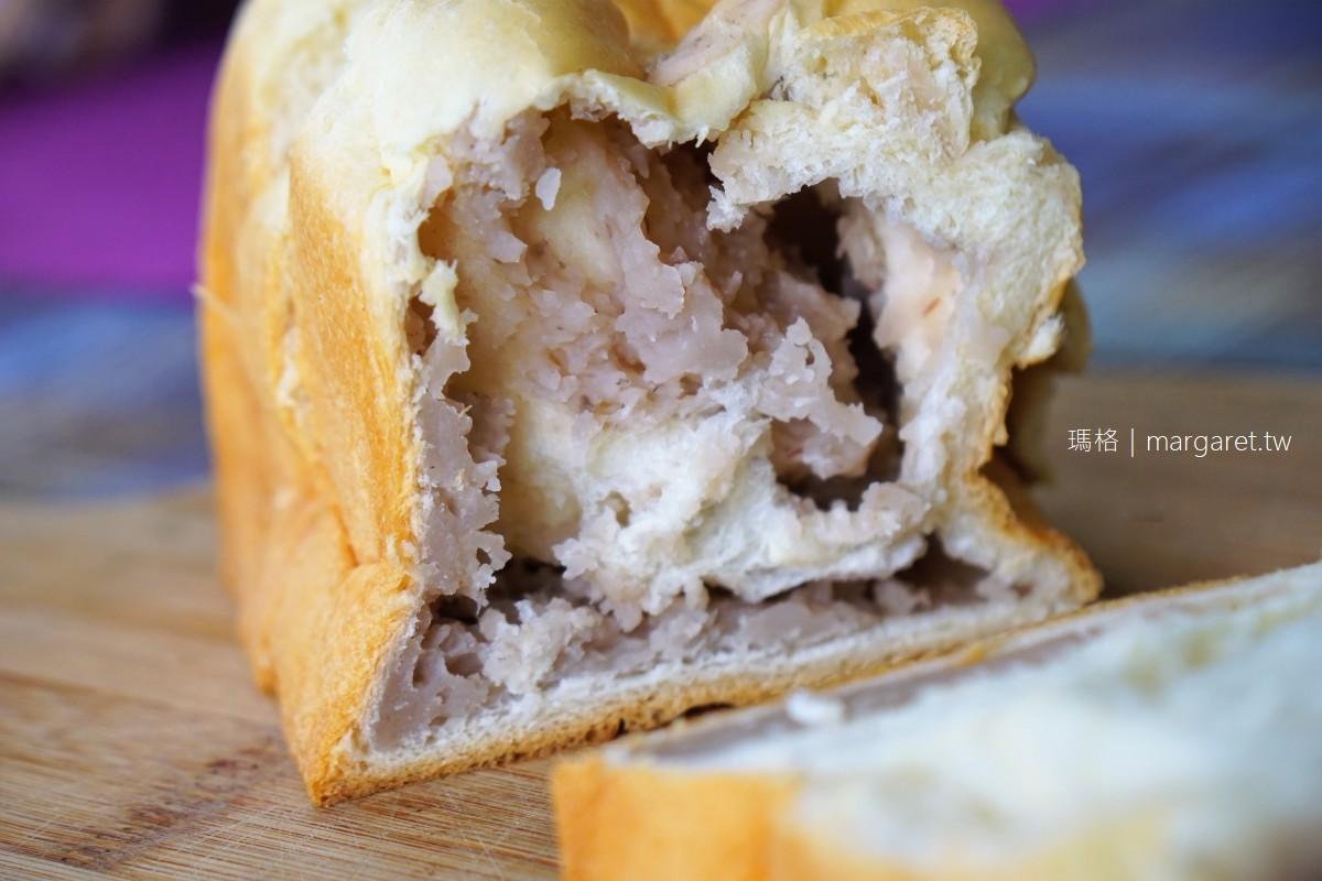 火盛製餅舖。關山50年老店爆漿紅豆吐司|不預定吃不到。芋頭吐司也好吃