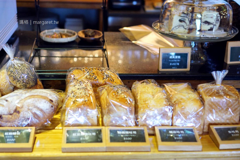 芹沃咖啡烘焙館。招牌老酒豬肉披薩|馬祖最好吃的麵包。芹壁海景餐酒館 (二訪更新)