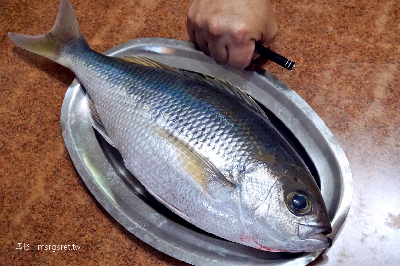 田中漁夫。老闆就是菜單|屏東車城漁家海鮮料理
