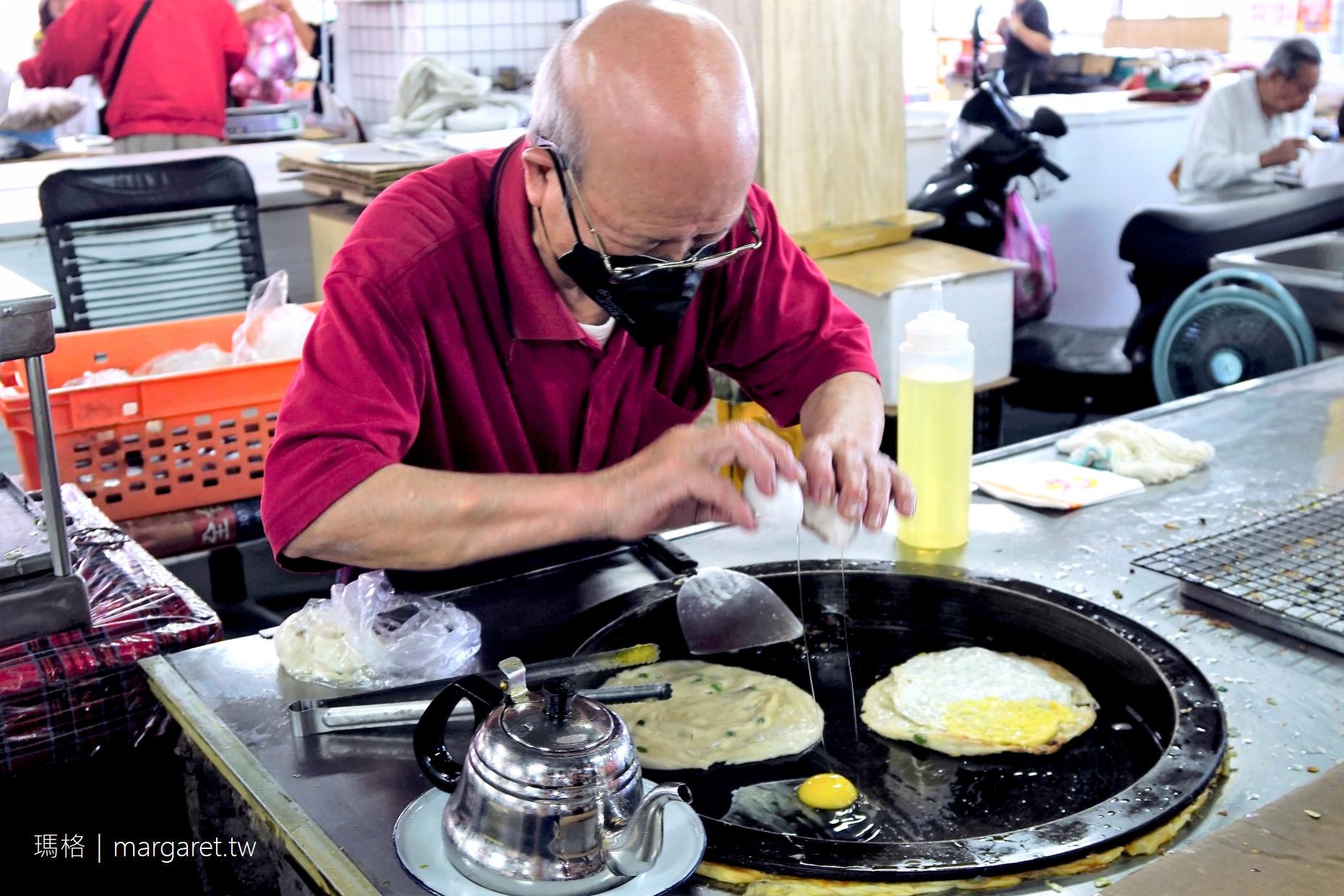 陳阿伯蔥油餅。壓餅機好吸睛|馬祖南竿介壽獅子市場人氣美食