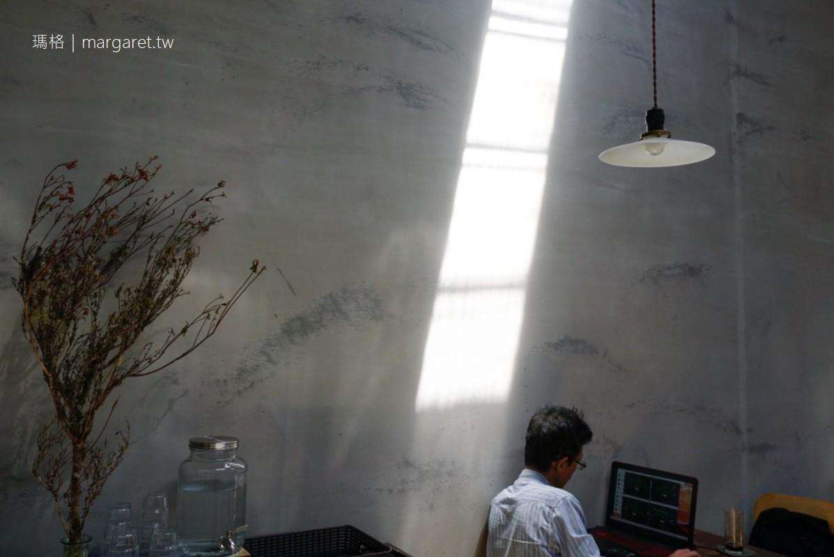 Congrats cafe。詩意的光影|台北大安區老屋咖啡館 #茹茹食記