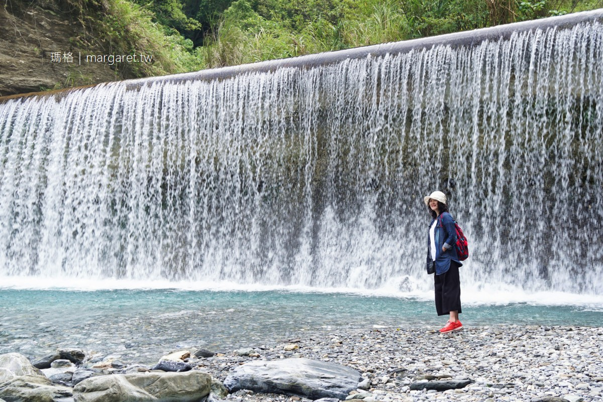 最新推播訊息:翡翠谷水濂瀑布。清澈碧藍如寶石|百年古道溪谷美景