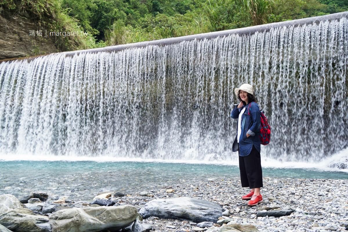 翡翠谷水濂瀑布。清澈碧藍如寶石|花蓮銅門部落戲水消暑景點