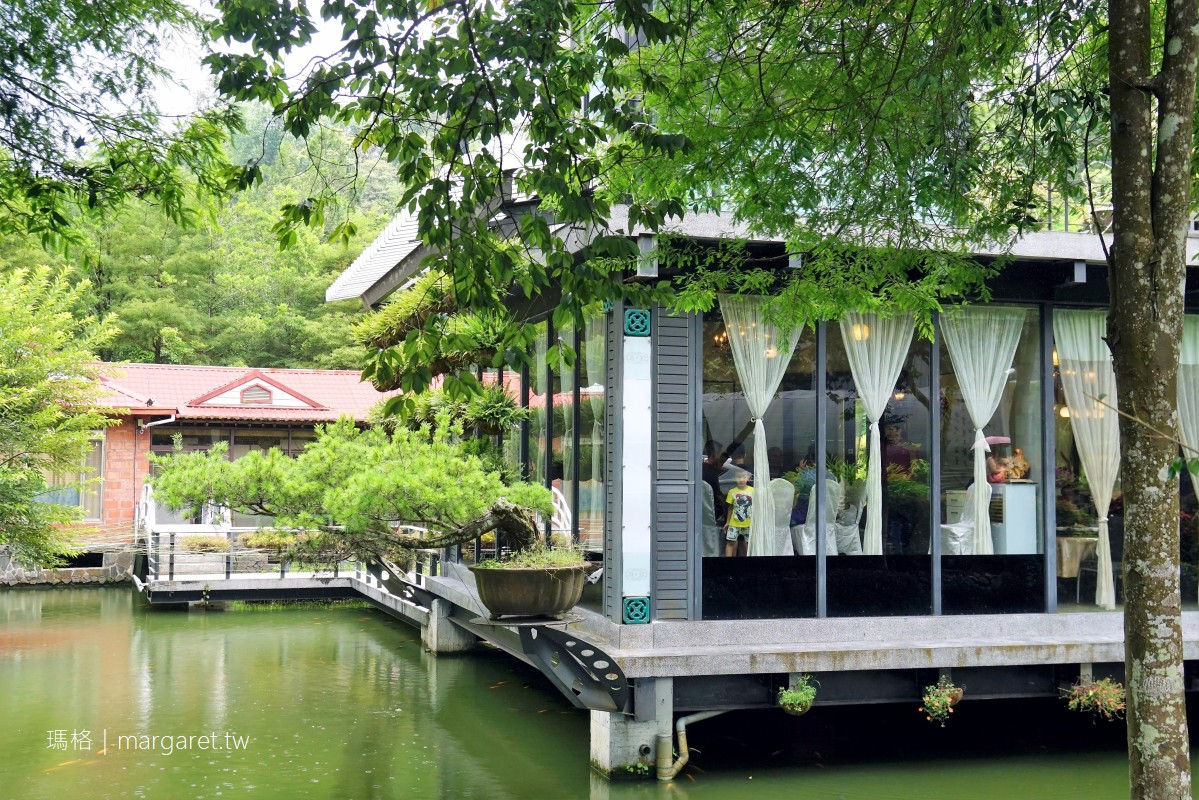 土角厝水上庭園餐廳。傳說的旋轉餐桌|南投桃米社區附近美食 @瑪格。圖寫生活