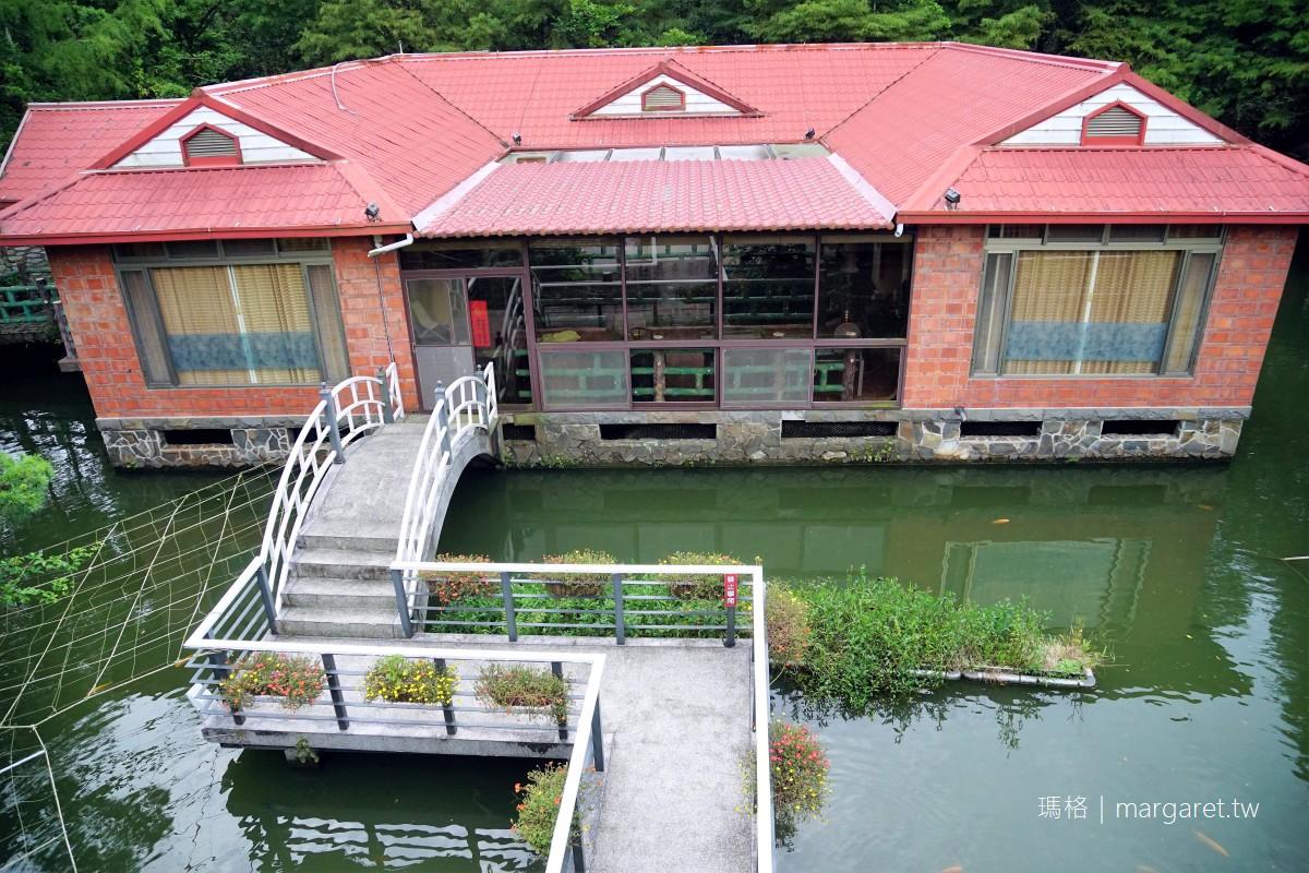 土角厝水上庭園餐廳。傳說的旋轉餐桌 南投桃米社區附近美食