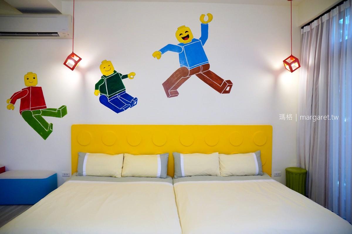 自然捲北歐風格旅店。宜蘭羅東民宿|落羽松池畔五星級露營車體驗