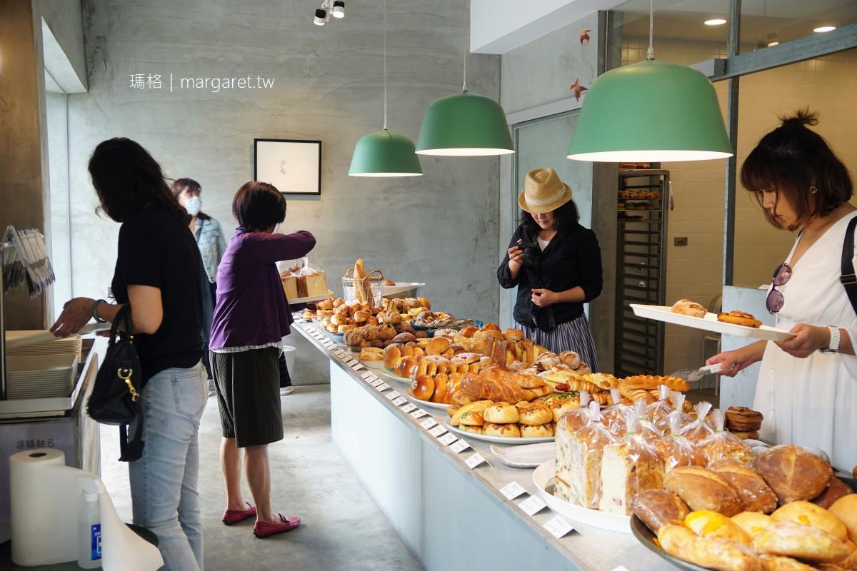 美菊麵包。屏東最美麵包店|實力派網美店。公益之心最美