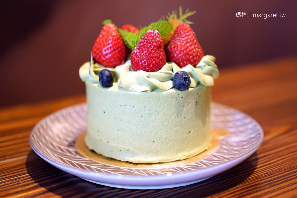FiMi後山小廚房。台中烏日|為了千層蛋糕而來,遇見龍貓拉花咖啡