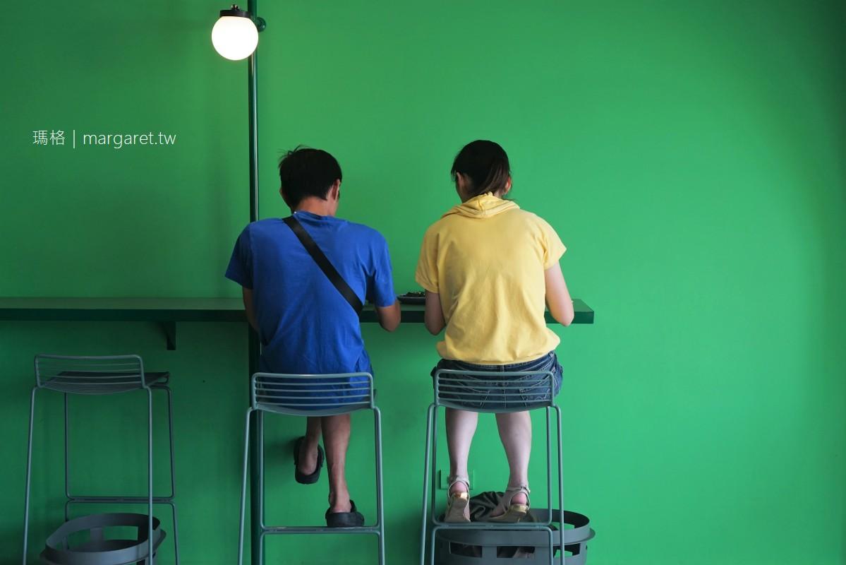 最新推播訊息:屏東最美麵店:美菊麵店的風格。老闆說是魔幻寫實風