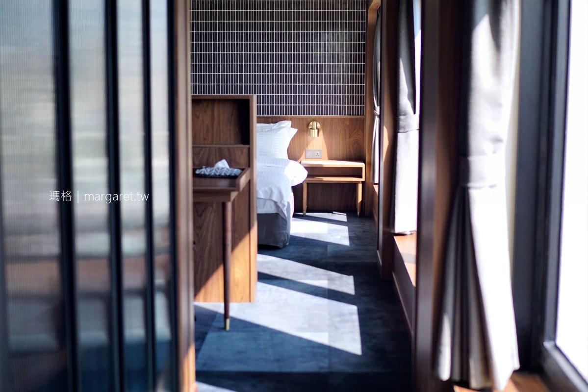 最新推播訊息:台南老飯店改裝走摩登復古風。南隅套房窗外就是赤崁樓