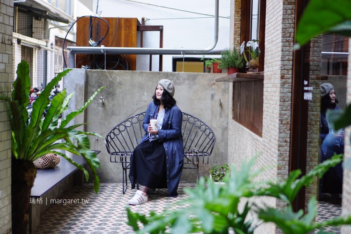 StableNice BLDG. x 原印臺南 x St.1 Cafe|咖啡、藝廊、選物。外婆的家與母親的名字