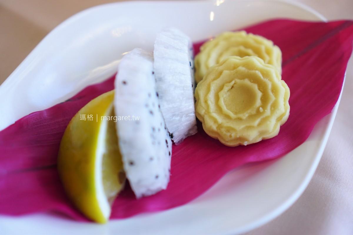 理想大地風味餐廳。花蓮壽豐吃合菜的選擇|天花板上的優美草書