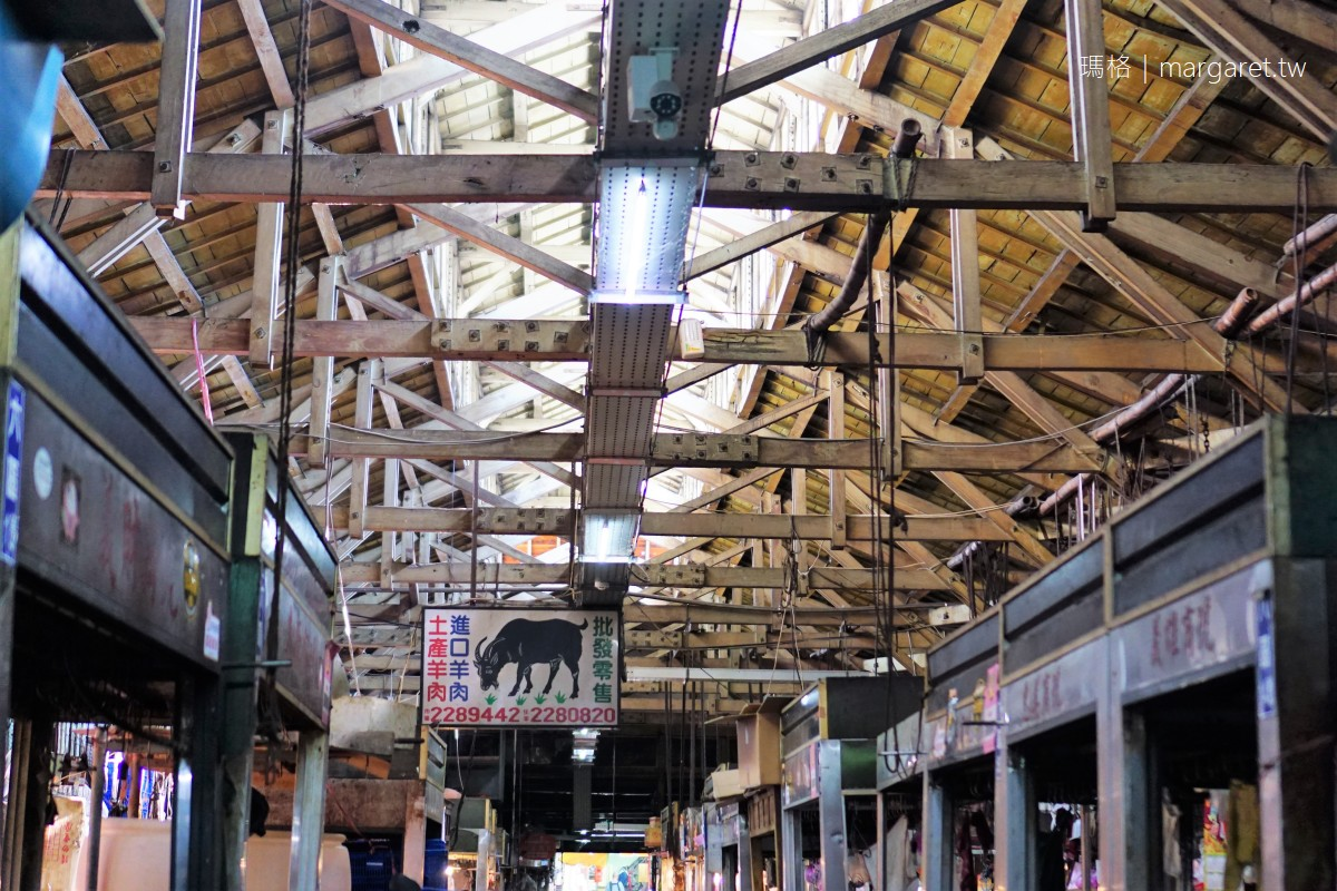 東市場美食巡禮11家小吃 嘉義人的大食堂。百年檜木建築 (持續更新)
