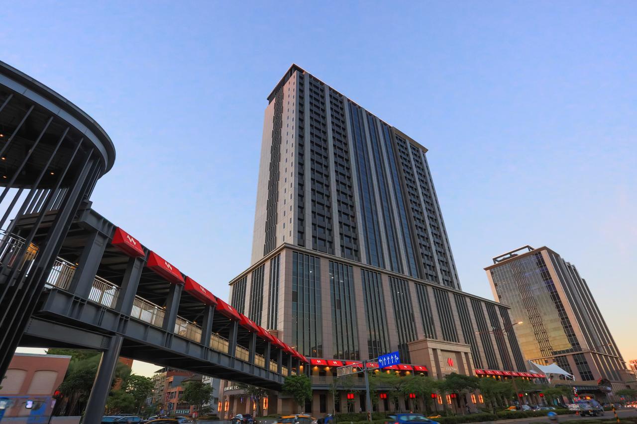 台北凱達大飯店。萬華雙子星露天泳池|捷運龍山寺站高樓層景觀住宿