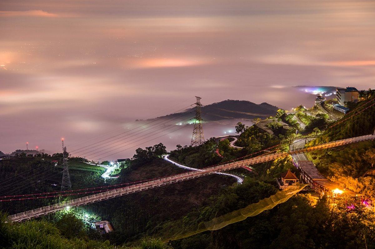 梅山36彎。魔王級單車路線|俯瞰嘉南平原落日、晚霞、夜景、雲海的夢幻路線
