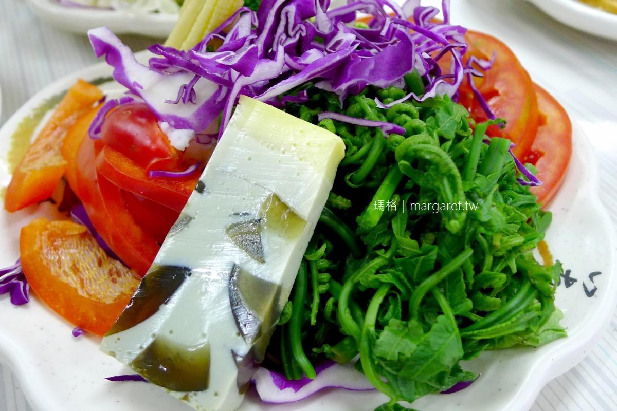 半天岩鵝肉鴨肉小吃。自助小菜每樣100元 嘉義番路鄉人氣美食