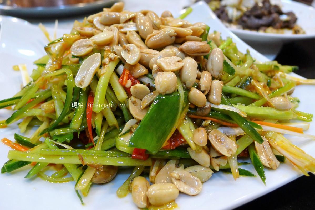 金稻子東北小館。台北人氣酸菜白肉鍋|彩虹茄子、冬瓜餃子很特別
