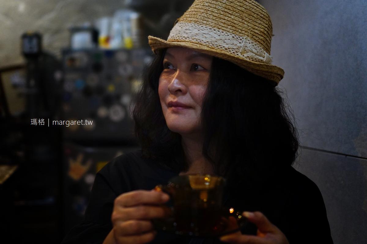 奇喚咖啡。每日限量肉桂捲|藏在嘉義保安市場裡的咖啡館