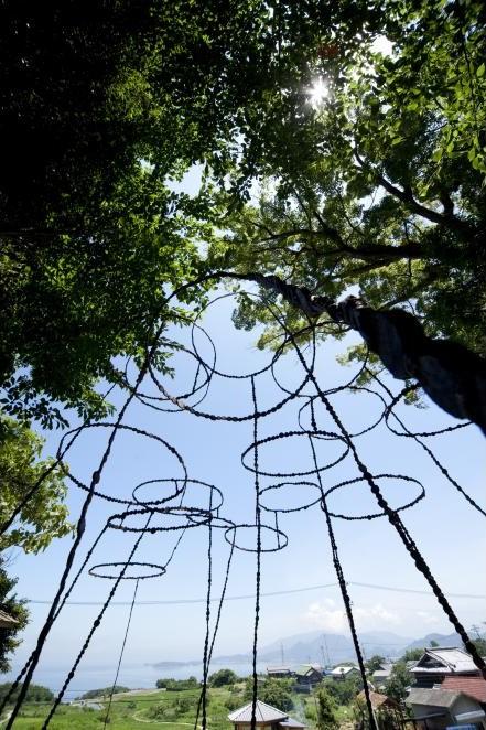 空の粒子。青木野枝|豐島清水神社。唐櫃清水