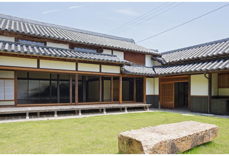 直島家計劃Ishibashi。石橋|百年鹽商宅邸裡的千住瀑布