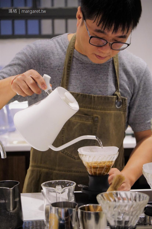 Revival Coffee Roasters 溫故知新咖啡館|藏在台南美術館1館的冠軍咖啡與冠軍麵包