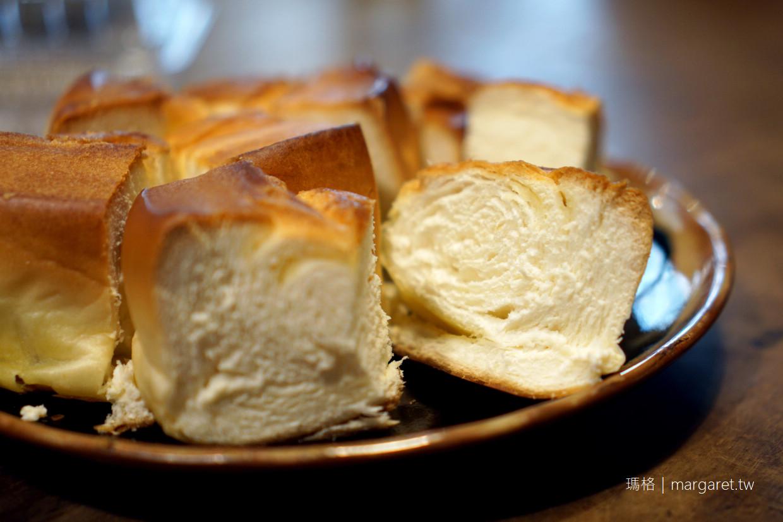 最新推播訊息:台南超狂麵包店。羅宋麵包一出爐就秒殺|出動警衛指揮交通