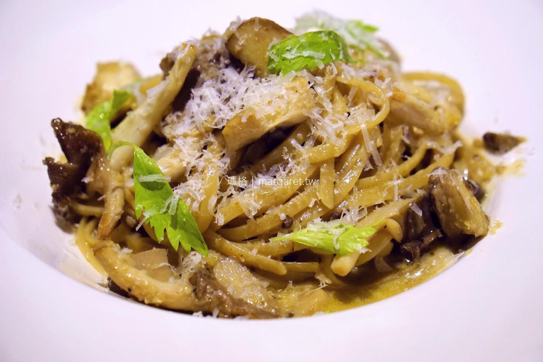 小洋蔥手作廚房。鐮刀式烤半雞碳烤蔬菜|嘉義義式料理 (2019.12.25)