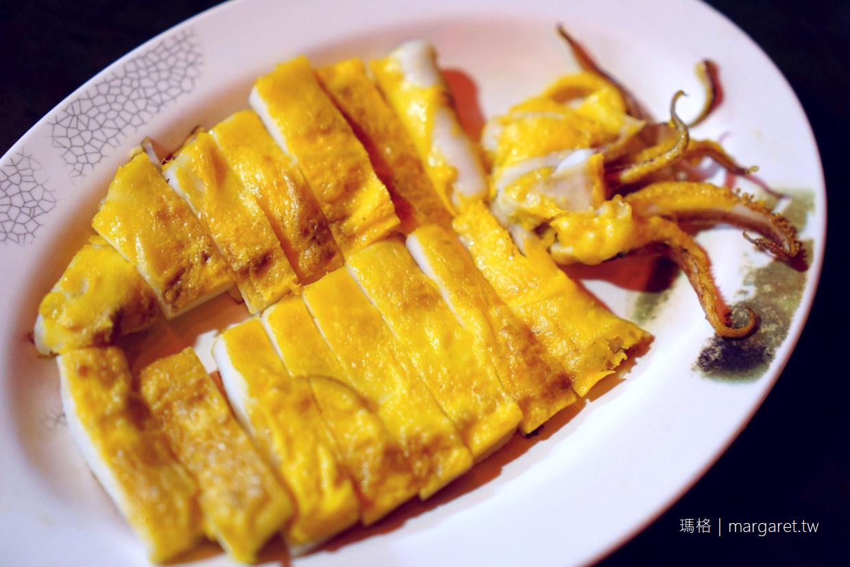 台南松仔腳燒烤海產。銷魂的蛋烤小卷|廟口榕樹下吃熱炒。順便來杯雙全紅茶