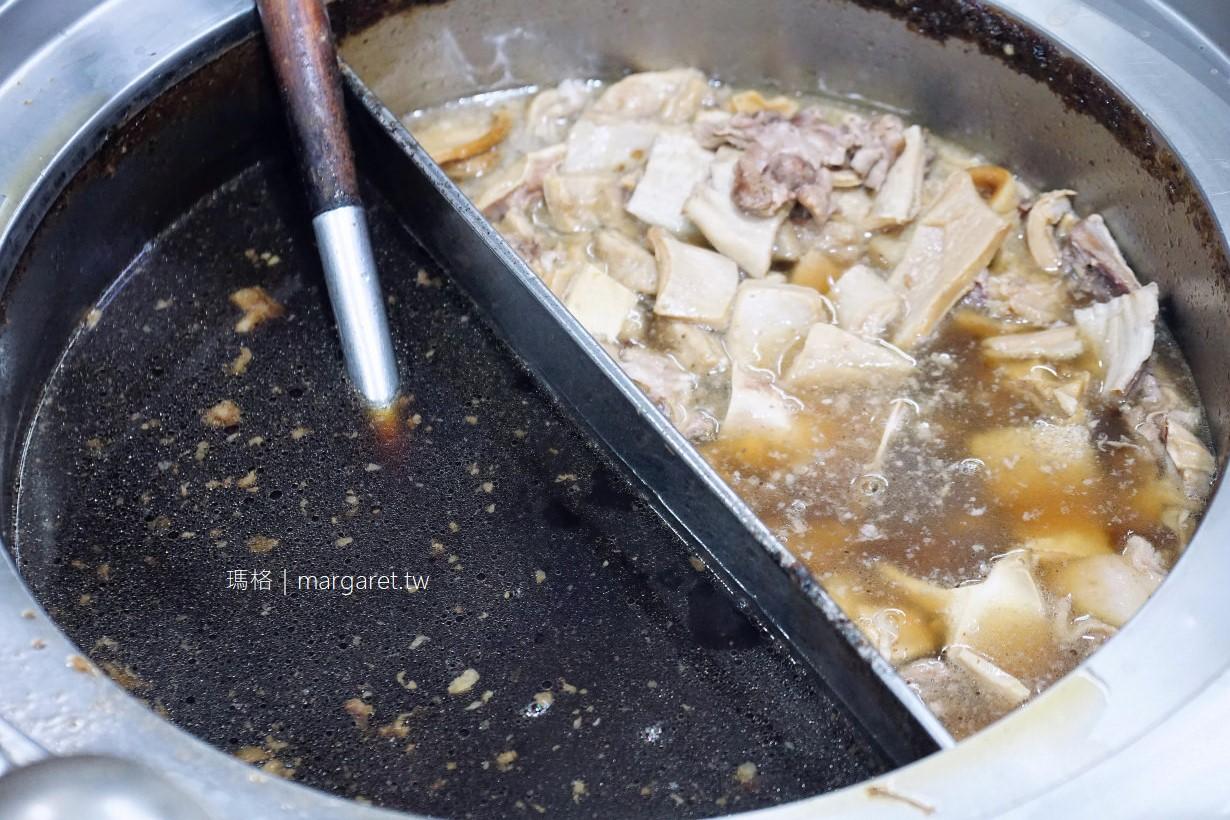 建宏牛肉麵。24小時營業|免費續湯續麵超平價|2018台北米其林必比登推介(Bib Gourmand)