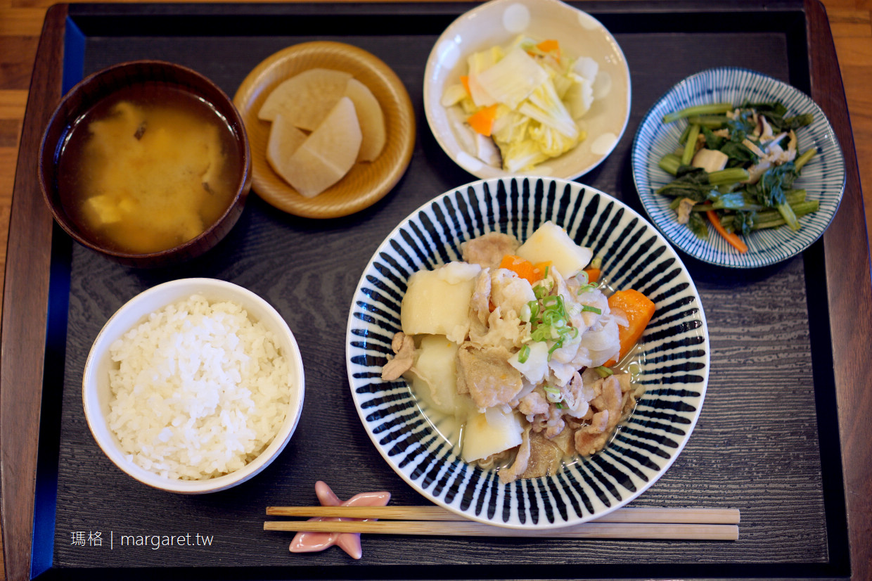 飯田家食桌。嘉義低調定食|日籍太太的家常菜。每兩周換一次菜單 @瑪格。圖寫生活