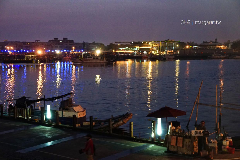 大魚的祝福。安平港鯨魚裝置藝術|台南IG熱點。白天晚上不同的美