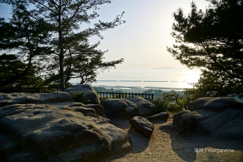 瀨戶內海奇景。巨大古錢幣沙雕|香川櫻花百選琴彈公園