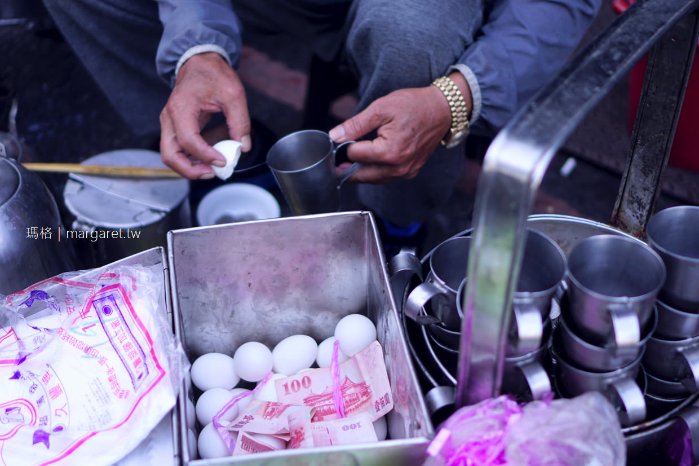 南門碳燒杏仁茶。加蛋配油條是一絕|嘉義古早味早餐路邊攤