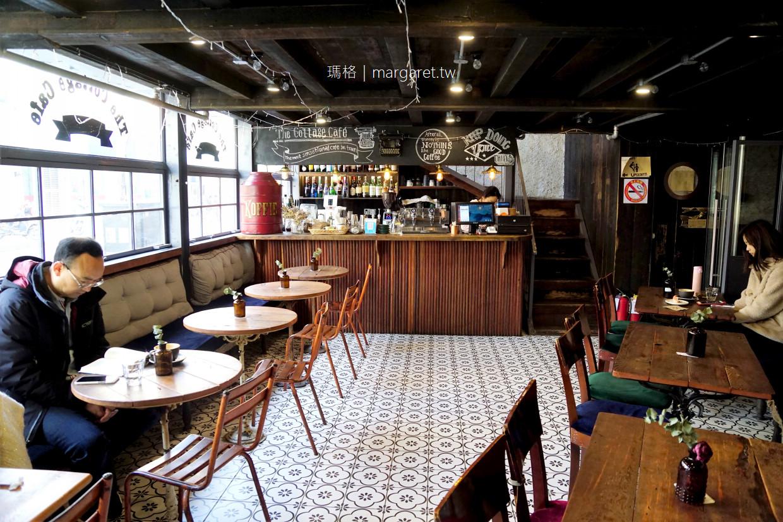 老麥咖啡館。武康大樓迴廊下|我的第一杯上海咖啡 @瑪格。圖寫生活